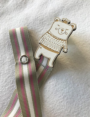 Bear Dummy Clip W/Pink Ribbon