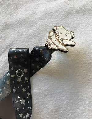 Hippo Dummy Clip W/Charcoal Star Ribbon